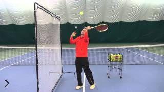 Смотреть онлайн Обучение технике подачи в большом теннисе