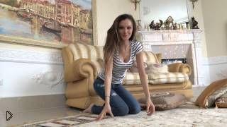 Смотреть онлайн Сидячие позы для фото, советы от модели