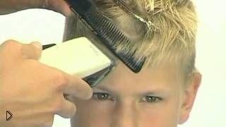 Смотреть онлайн Как сделать модную стрижку волос для мальчиков
