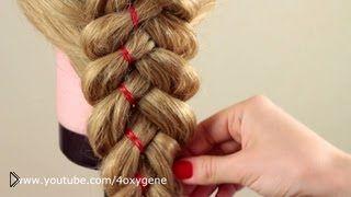 Смотреть онлайн Как заплести косу из пяти прядей с украшением