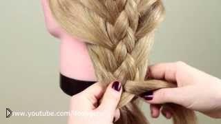 Смотреть онлайн Как заплести обратную косу из пяти прядей