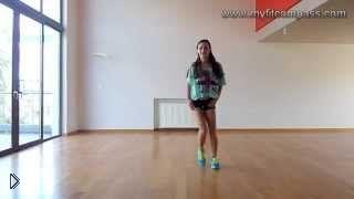 Смотреть онлайн Урок танцевальной аэробики для начинающих дома