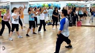 Смотреть онлайн Фитнес зумба для похудения: сжигание жира