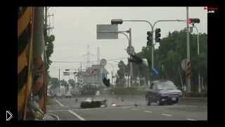 Смотреть онлайн Подборка: Ужасающие аварии со смертельным исходом