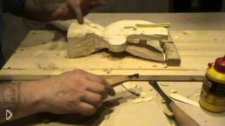 Смотреть онлайн Как вырезать орла из дерева своими руками