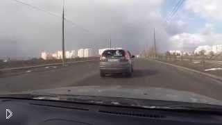 Смотреть онлайн Путин машет рукой всем водителям