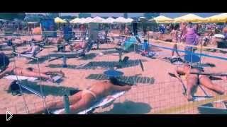 Смотреть онлайн Вращающиеся шезлонги для равномерного загара в Анапе