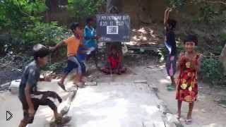 Смотреть онлайн Как ученики в Индии учат английский