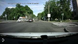 Смотреть онлайн ДТП из нескольких машин в Санкт-Петербурге, 14.06.2015