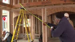 Смотреть онлайн Невероятные трюки со строительной рулеткой