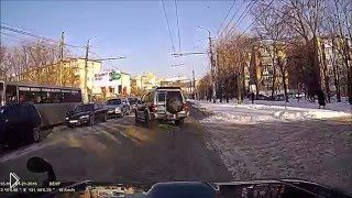 Смотреть онлайн Откровенное вранье виновной в ДТП автоледи