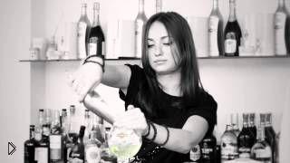 Смотреть онлайн Рецепт алкогольного коктейля  Роял Мартини