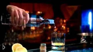 Смотреть онлайн Коктейль из желтка и водки Устрица