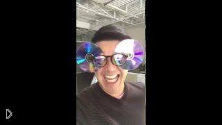 Смотреть онлайн DIY регулируемые солнцезащитные очки из CD дисков