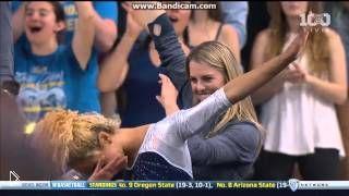Смотреть онлайн Необычное выступление гимнастки на соревнованиях 2016