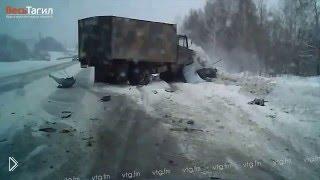 Смотреть онлайн Смертельная авария под Нижним Тагилом