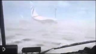 Смотреть онлайн В Норильске ветер развернул самолет