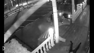 Смотреть онлайн Убийство человека было записано на камеру