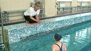 Смотреть онлайн Как научится плавать, советы инструктора