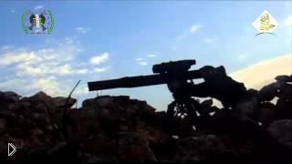 Смотреть онлайн Сирийская артиллерия атакует танк точным попаданием