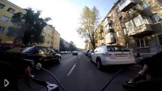 Плюсы и минусы езды на тротуаре и проезжей части - Видео онлайн