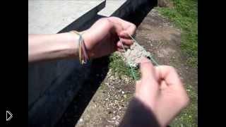 Смотреть онлайн Секрет перемещения резинки с одной руки на другую