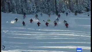 Смотреть онлайн Как правильно ездить по снежному склону на лыжах