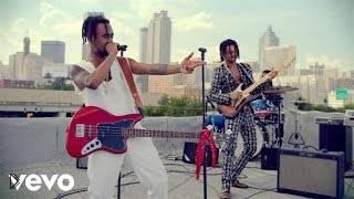 Смотреть онлайн Клип: Rae Sremmurd ft. Gucci Mane - Black Beatles