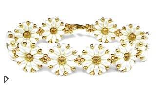 Смотреть онлайн Женственный браслет из бисера супердуо