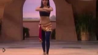 Смотреть онлайн Разминаем ноги и бедра для танца живота