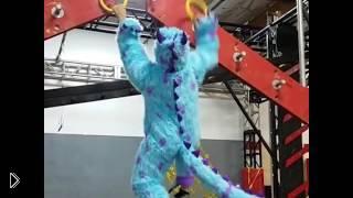 Смотреть онлайн Полоса препятствий для чудаков в костюмах