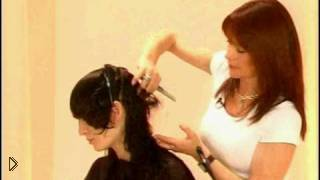 Смотреть онлайн Необычная техника стрижки: каскад лезвием
