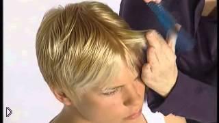 Смотреть онлайн Стильная женская стрижка