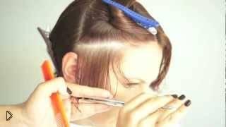 Смотреть онлайн Стрижка для кудрявых волос средней длины
