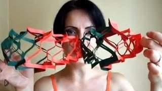 Смотреть онлайн DIY идея: бумажная гирлянда на Новый год