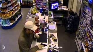 Смотреть онлайн Ночное ограбление магазина пока продавщица спала