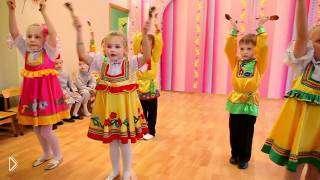 Смотреть онлайн Детский танец с ложками в детском саду