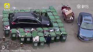 Смотреть онлайн Китаец наказал водителя за не правильную парковку