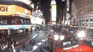 Смотреть онлайн Как встречают Новый год на Тайм Сквер в 360°