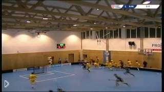 Смотреть онлайн Обвалилась крыша в спортзале во время игры во флорбол
