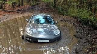 Смотреть онлайн Подборка: Машины застревают в грязи и на пляже