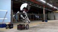 Смотреть онлайн Робот на колесах, который не падает