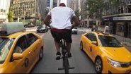 Смотреть онлайн Что увидишь, если кататься на велосипеде по Нью-Йорку