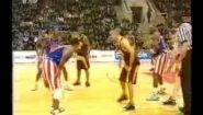 Смотреть онлайн Американцы прикалываются над русскими в баскетболе