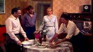 Смотреть онлайн ТелеСпектакль «Проездом», 1982