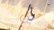 Смотреть онлайн Журналист сломал палец во время прыжка