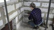 Как залезть в дом из газобетона без ключей - Видео онлайн