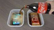 Смотреть онлайн Что будет, если залить айфон и самсунг колой и заморозить