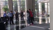 Смотреть онлайн В Китае спасли заложника