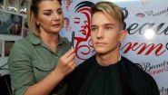 Смотреть онлайн Как сделать мужской макияж для фотосессии